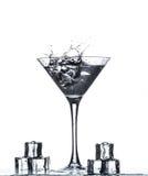 Verre de Martini avec l'éclaboussure Images libres de droits