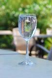 Verre de vin de l'eau Photographie stock