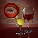 Verre de vin en verre avec le vin rouge, vin blanc, cocktail, cidre Image stock