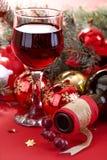 Verre de vin et bouteille de vin Images stock