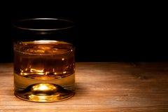 Verre de whiskey et whiskey images libres de droits
