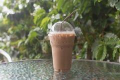 Verre en plastique de moka de café de glace Photo stock