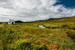 Verre Hut onder Rivier in Ierland Stock Foto