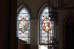 Verre souillé dans les églises chrétiennes pluricentenaires Photo libre de droits