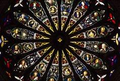 Verre souillé de couleur d'une église photos libres de droits