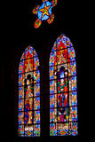 Verre souillé magnifique dans la basilique de Quito Photos libres de droits