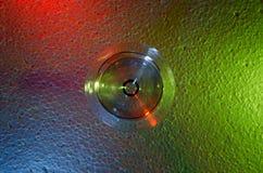 Verre transparent sur un fond coloré Image libre de droits
