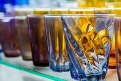 Verre vide de l'eau utilisé dans les boissons images stock