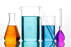Verrerie chimique pour des expériences Photo stock