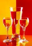 Verres à vin avec de l'eau Photographie stock libre de droits