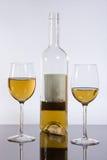 Verres à vin avec du vin Photographie stock libre de droits