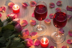 Verres avec des roses Image stock