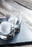 Verres avec des sphères de glace Image libre de droits