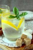 Verres avec la limonade froide Photo stock