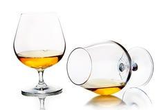 Verres ballons avec l'eau-de-vie fine ou le cognac Images stock