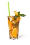 Verres de boissons de fruit avec des glaçons Images stock