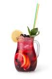 Verres de boissons de fruit avec des glaçons Photographie stock libre de droits