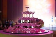 Verres de Champagne dans la cérémonie de mariage Images libres de droits