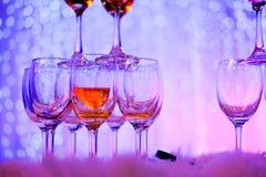 Verres de Champagne dans la cérémonie de mariage Photos stock