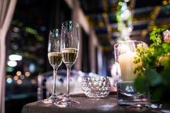 Verres de champagne de mariage Photos libres de droits