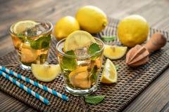 Verres de limonade douce glacée Image libre de droits