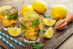 Verres de limonade douce glacée Photo libre de droits