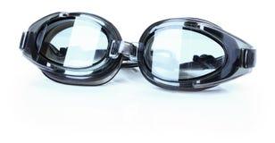 Verres de natation gris d'isolement sur le fond blanc Photographie stock libre de droits
