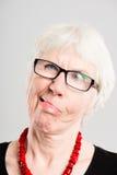 Fond élevé de gris de définition de femme personnes drôles de portrait de vraies Photographie stock