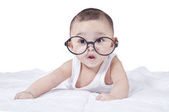 Verres de port de bébé garçon mignon Photographie stock