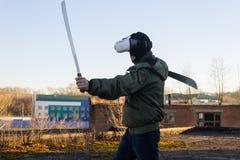 Verres de port s'exerçants d'une réalité virtuelle de personne photo libre de droits