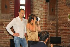 Verres de réalité virtuelle de femme, Pays-Bas images libres de droits