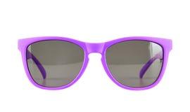 Verres de soleil violets d'isolement photographie stock libre de droits