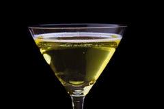 verres de vin blanc sur la table en bois Photographie stock libre de droits