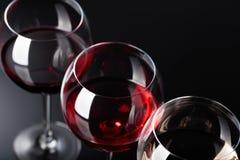 Verres de vin rose, rouge et blanc Photographie stock