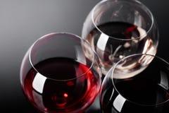 Verres de vin rose, rouge et blanc Photos libres de droits