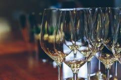Verres de vin vides en gros plan Photographie stock