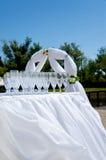 Verres de vin vides sur la cérémonie de mariage Images stock
