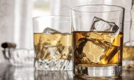Verres de whiskey Photos stock