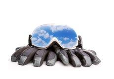 Verres et gants de sport d'hiver Image libre de droits
