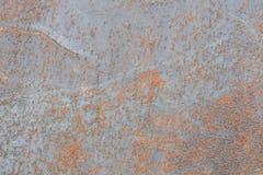 Verrosten Sie auf den Metalloberflächen, die durch eine Reaktion des Metall- und Luftsummens verursacht werden Lizenzfreie Stockfotos
