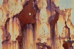 Verrostende gemalte Metallplatte lizenzfreie stockbilder