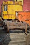 Verrostende Verschiebebahnhofausrüstung auf den Bahnen Lizenzfreies Stockbild