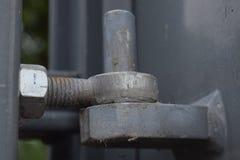 Verrostete metallische Torscharniere Lizenzfreies Stockfoto