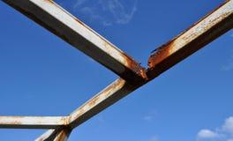 Verrostete Metalllichtstrahlen Lizenzfreie Stockbilder