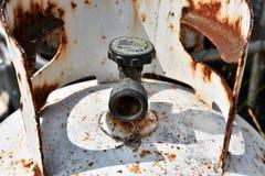 Verrosteter alter Propan-Zylinder-Abschluss oben lizenzfreie stockfotografie