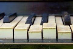 Verrouille le vieux piano Photos libres de droits