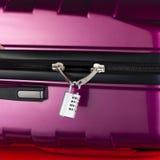 Verrouillez la valise cassée photos stock
