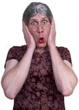 överrrakning för shock för rädd mormorlady ful gammal förskräckt Arkivbilder