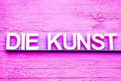 Versão cor-de-rosa do DADO KUNST com cores diferentes fotografia de stock royalty free