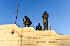 Versöhnung: Das Friedenssicherungs-Monument - Ottawa, Kanada lizenzfreies stockfoto